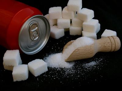 Excessos amb el sucre i els edulcorants artificials i els sucs de fruita envasats
